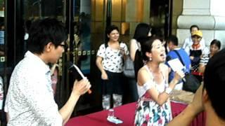 2011.6.25 高雄漢神百貨  黃嘉千&品冠-姊妹