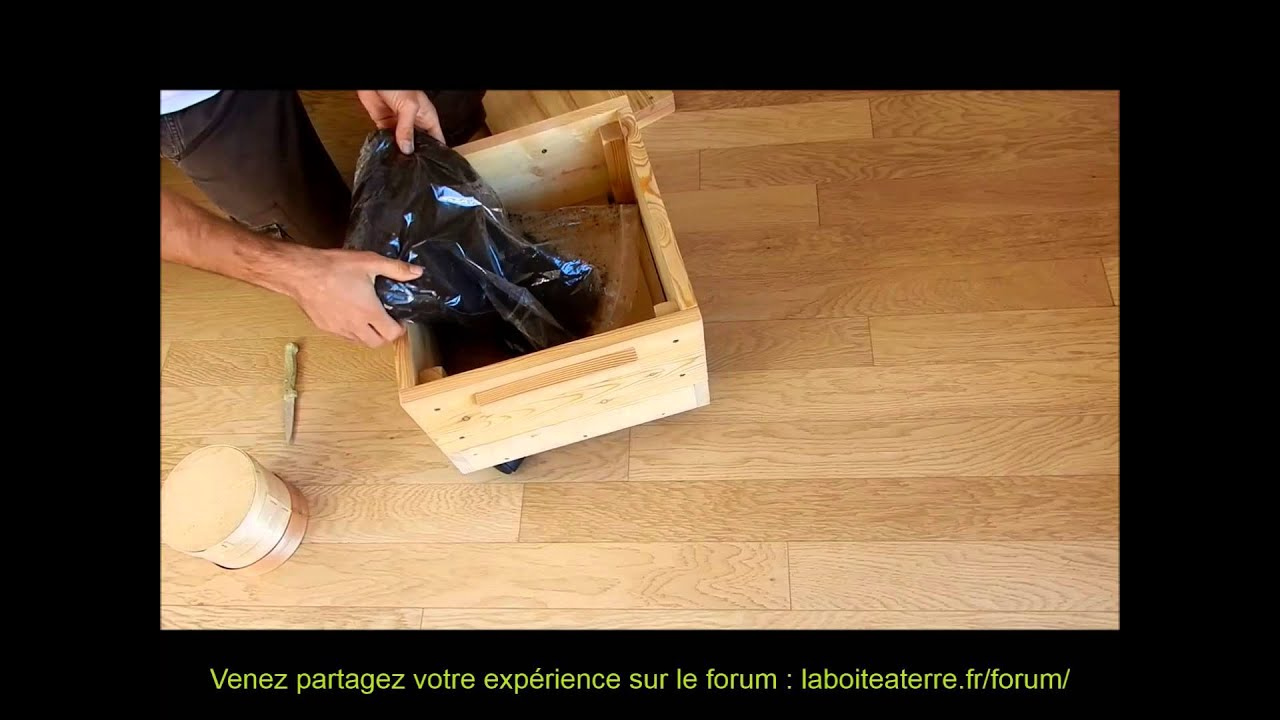 lombricomposteur en bois la bo te terre notice d 39 installation youtube. Black Bedroom Furniture Sets. Home Design Ideas