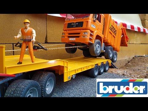 BRUDER Garbage Truck CRASH!