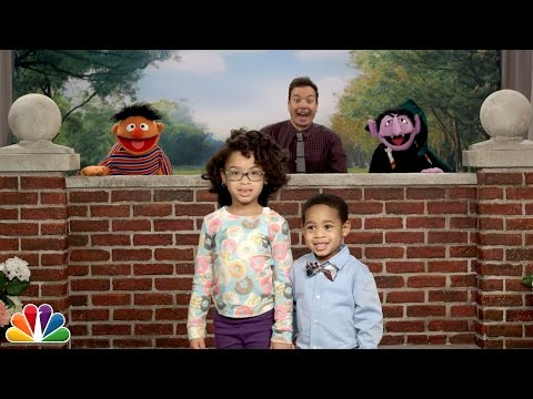 EJ - Jimmy Fallon and the Sesame Street Gang Surprise Photobomb Kids