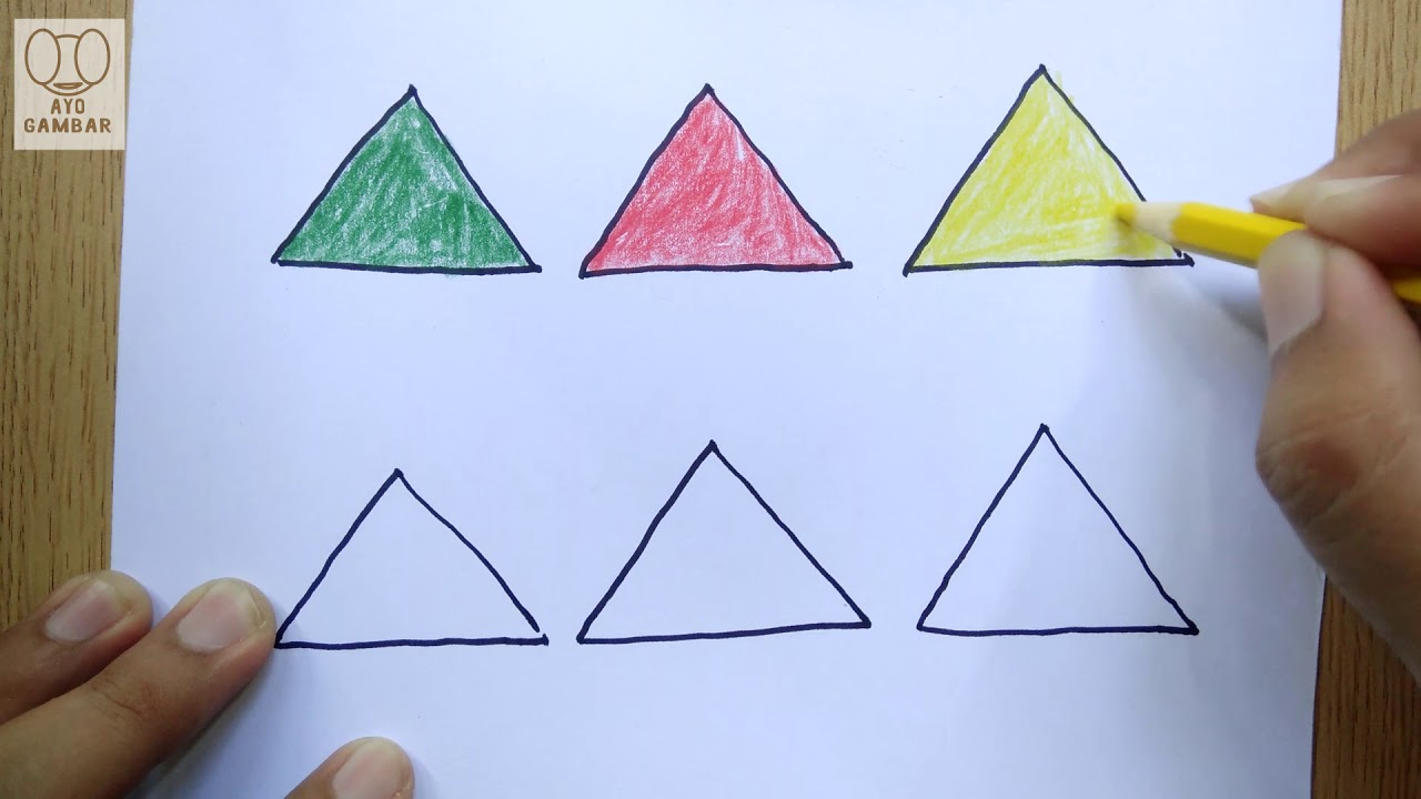 AYO GAMBAR Segitiga Menggambar dan Mewarnai KelasCeria