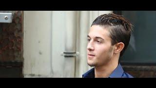 tarek benattia il pose avec des milliers d euros en liasses de billets