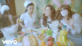 Смотреть клип Kate Nash - Life In Pink