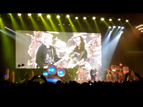 Rush - The Spirit Of Radio (Live - Cleveland, OH October 28, 2012).