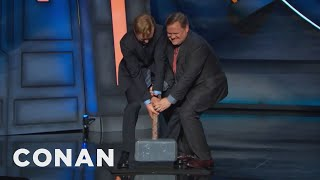 thor s hammer is cluttering up the conancon stage conan on tbs