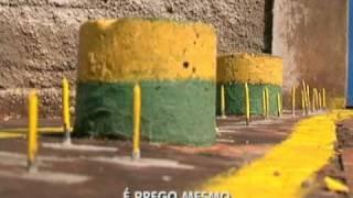 Balanço Geral - Mulher coloca pregos em calçadas para vizinhos não utilizarem calçada