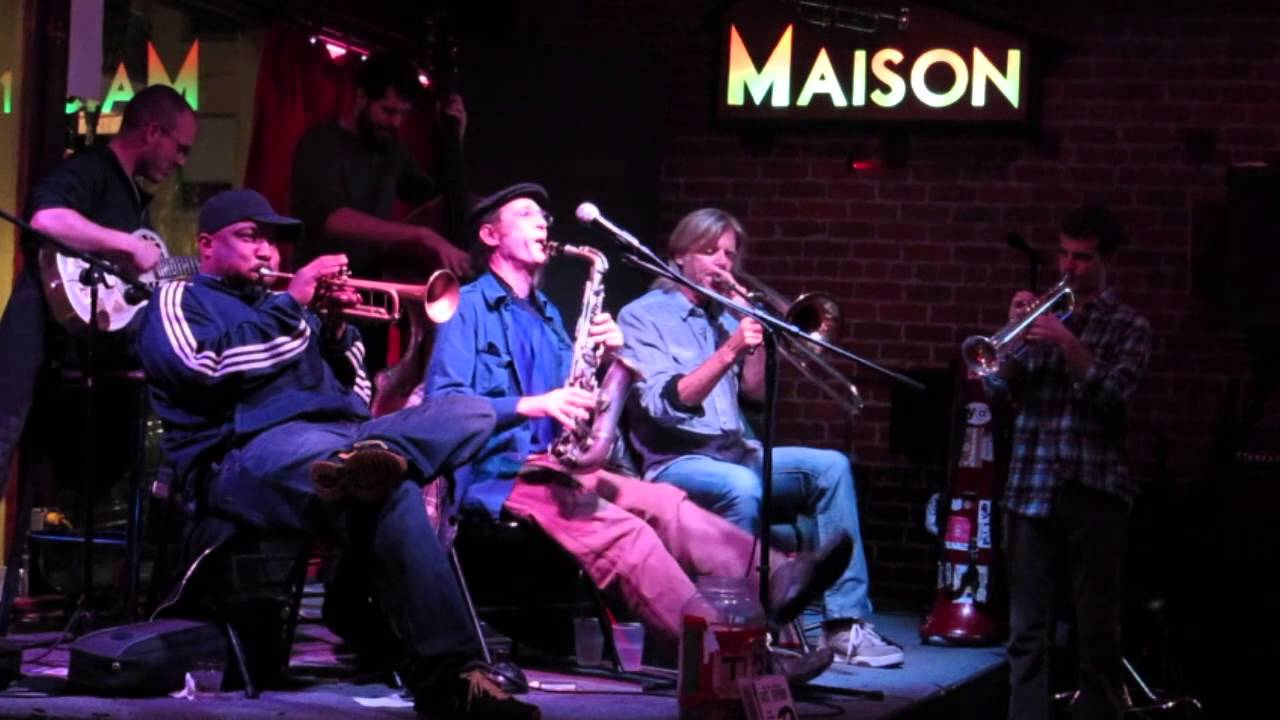 The new orleans jazz vipers live at the maison
