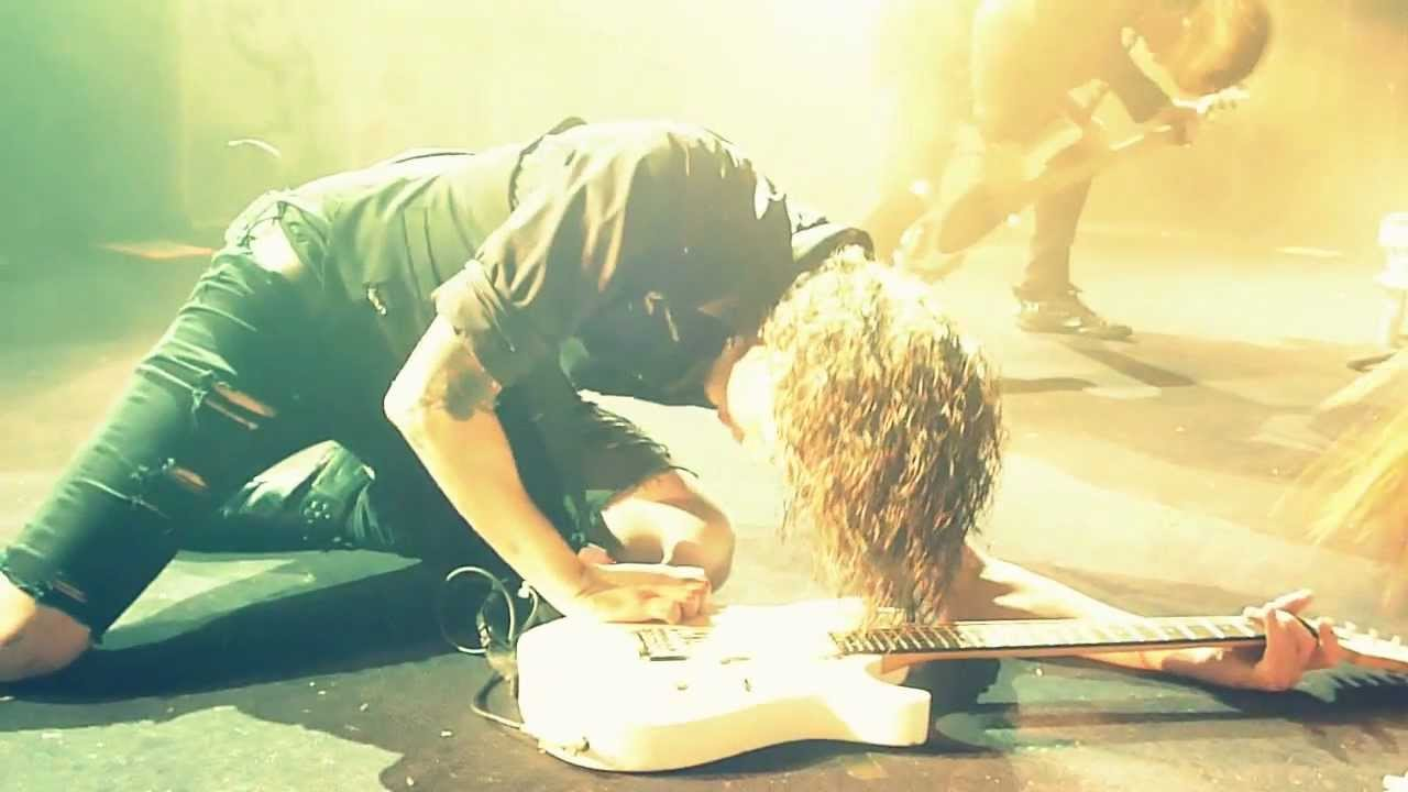ben bruce punches his guitar youtube. Black Bedroom Furniture Sets. Home Design Ideas