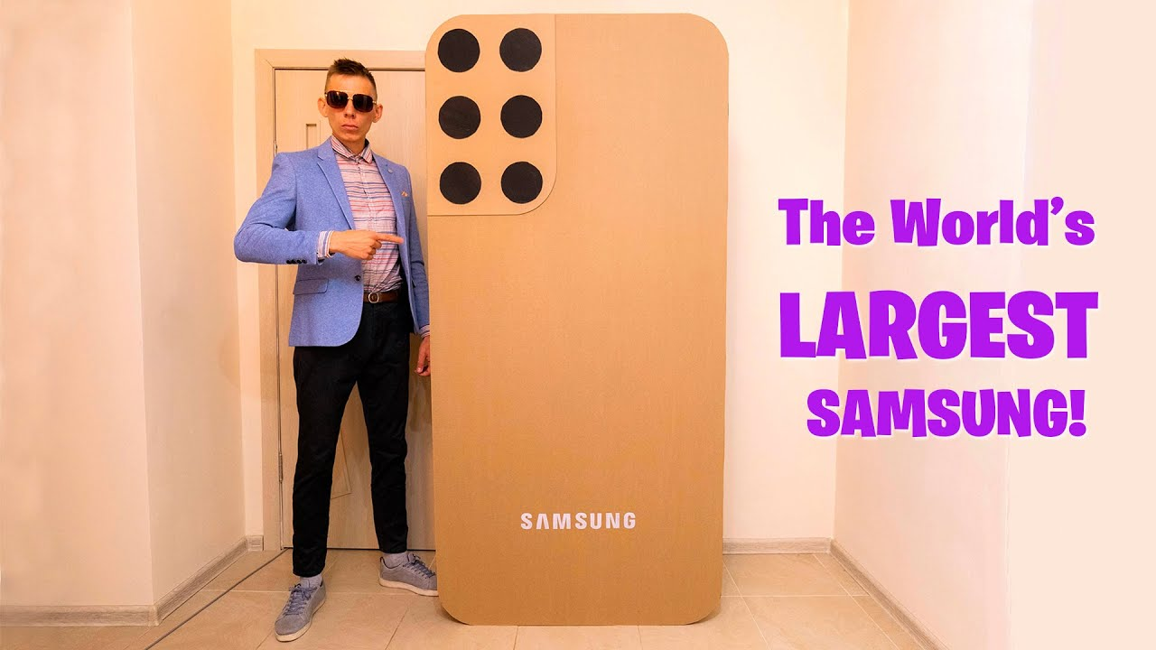 The World's Largest Samsung Galaxy S22 Incoming Call