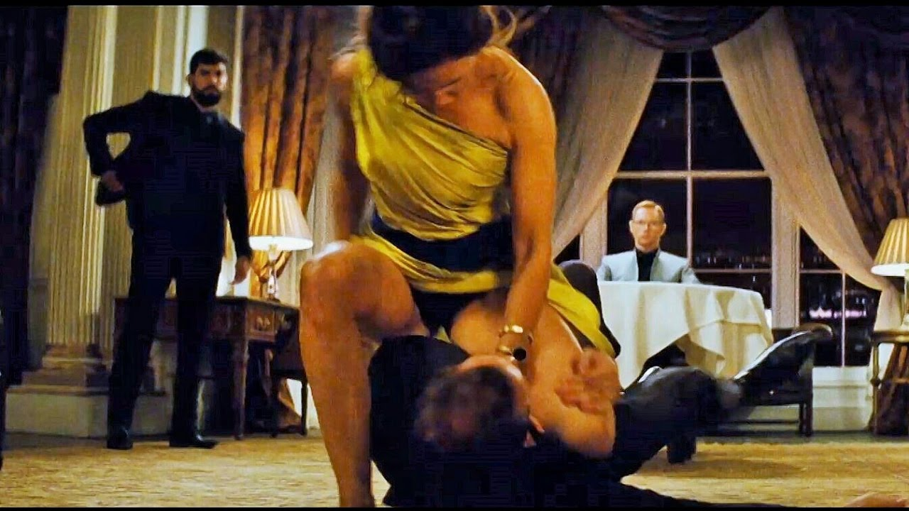 Rebecca Ferguson Action scenes in Mission Impossible-Rogue Nation