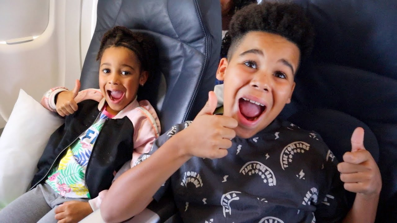 FamousTubeKIDS Fly First Class on a Plane!