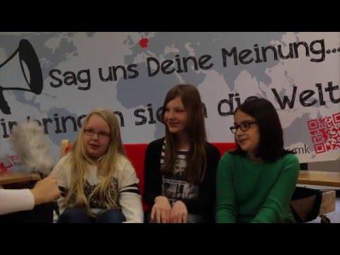 youngcaritas Märkischer Kreis an der Theodor Heuss Realschule mit dem Roten Sofa