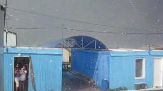 Град на озере Белё 27 июля  2014г 2 часть(Мощнейший град с дождём обрушился на городок отдыхающих под горой Чалпан на оз.Белё. Размер градин, в течен..., 2016-05-31T07:00:25.000Z)