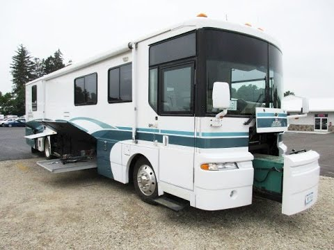 1999 ultimate advantage used class a diesel pusher motorhome by winnebago rv. Black Bedroom Furniture Sets. Home Design Ideas