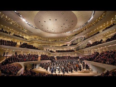 Jovano Jovanke in der Elbphilharmonie Hamburg