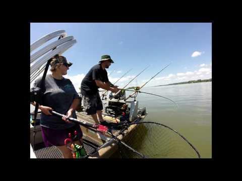 a unbelievable day of catfishing on wheeler lake alabama.