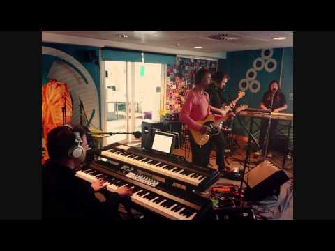 Karl Hyde - Slummin' it for the weekend (Live on BBC World 6)