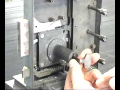 crochetage serrure coffre fort picking safe lock ganzua para caja fuerte youtube. Black Bedroom Furniture Sets. Home Design Ideas