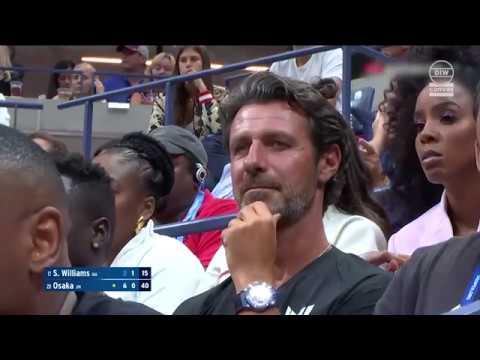 De coach van Serena Williams reageert