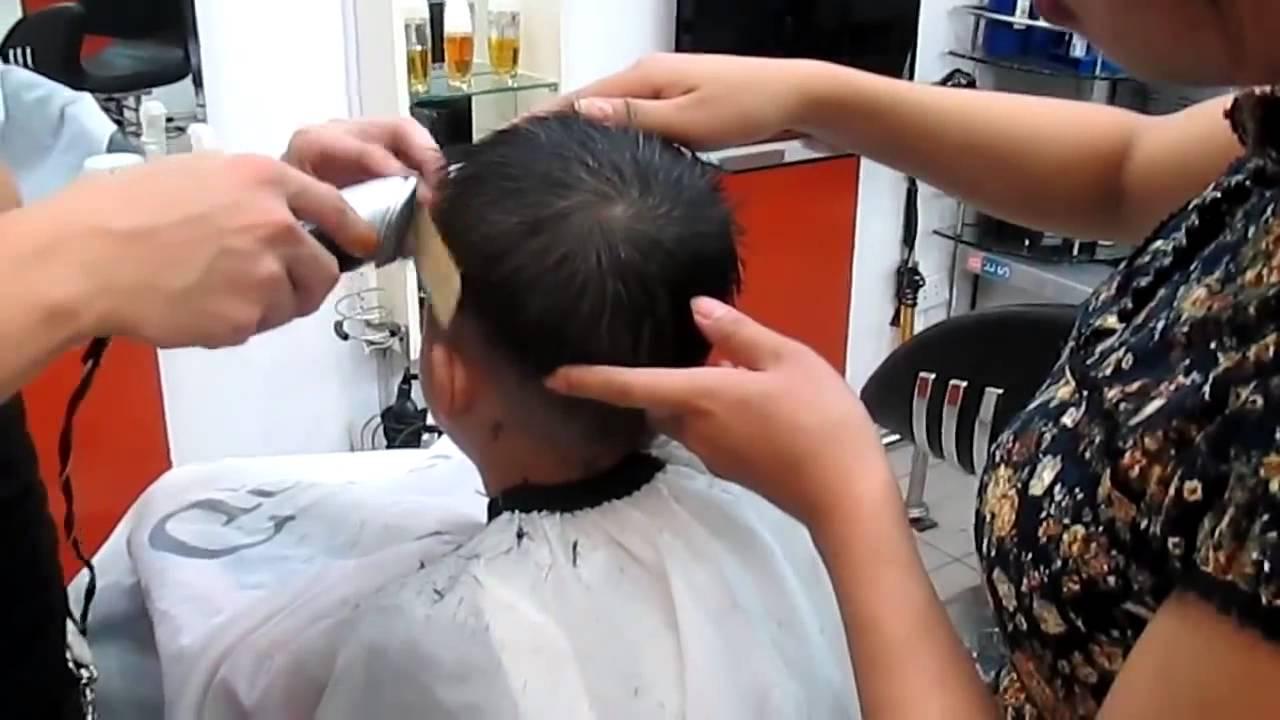 Hướng dẫn dùng tông đơ cắt tóc trẻ em