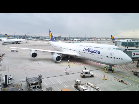 Lufthansa Business Class -  Boeing 747-8 'Upper Deck' - Fran
