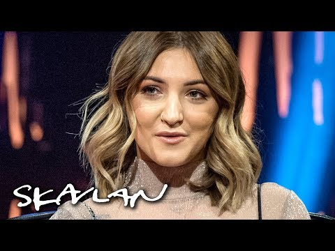 Julia Michaels suffers from «horrible stage fright»: – I'm very awkward! | Skavlan