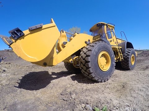 RC ADVENTURES - Cutting a Mining Camp Road - 1/14 Earth Mover 870K HYDRAULiC WHEEL LOADER