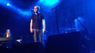 Zerschmettert in Stücke (Im Frieden der Nacht) - Thees Uhlmann @ Arena Wien, 09.11.2013