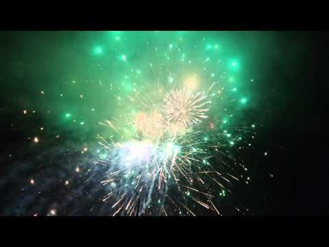 Màn bắn pháo hoa đón tết của thị xã Đông Triều  tại khu đô thị Tân Việt Bắc phường Mạo Khê(3)