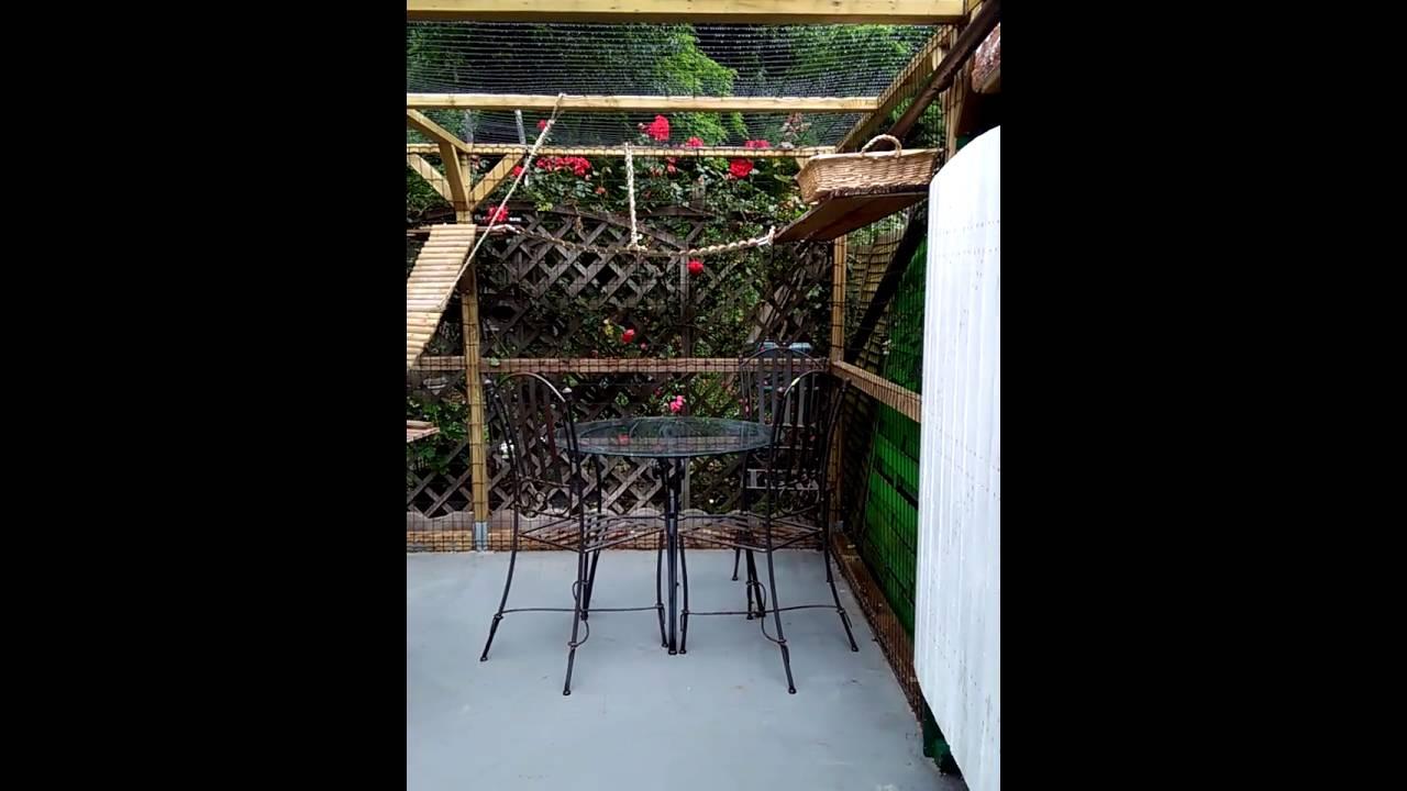 enclos pour chats youtube. Black Bedroom Furniture Sets. Home Design Ideas