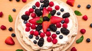 Торт Павлова с ягодами