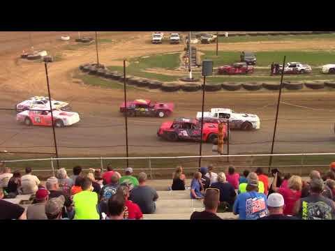 MSSC heat race. Spoon River Speedway. 9/3/2017.(Tyler Gilmour)