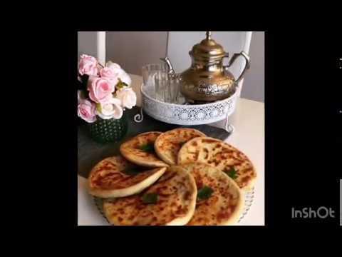 pains-farcis-à-la-viande-hachée-et-aux-légumes-marocain,-cuit-à-la-poêle.-recette-ramadan