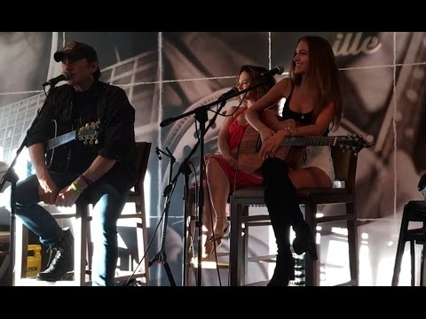 Alexandra ❀ Live in Nashville, TN