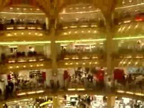 Les Printemps -- Paris shopping
