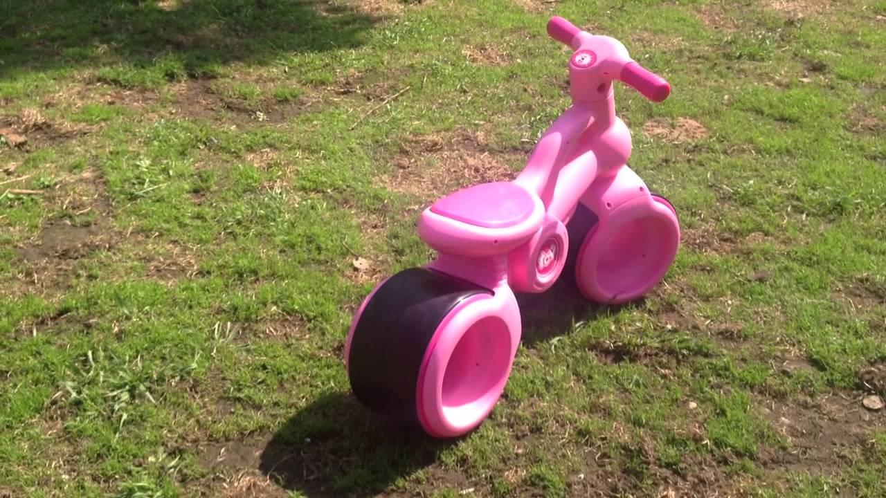 Детская каталка TCV -- V100 Baby Balance Bike - YouTube
