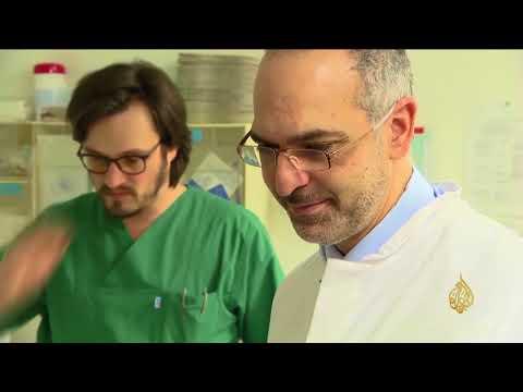 هذا الصباح- طبيب مغربي يحقق إنجازات بمكافحة سرطانات النساء