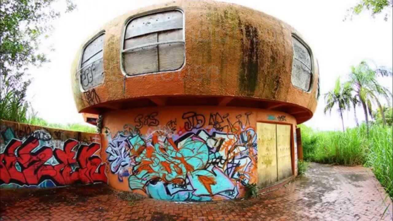 Perfect Floridau0027s Abandoned UFO House