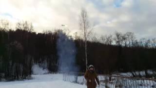 Запуск петарды Самолет