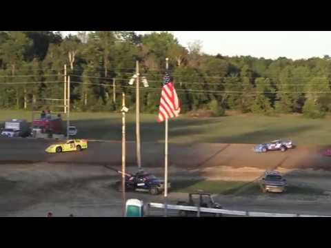 Late Model Heat Race #3 at Crystal Motor Speedway, Michigan on 08-24-2019!