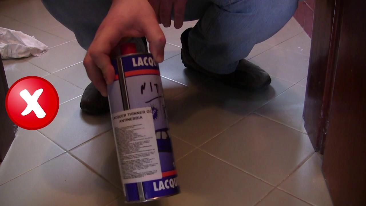 Togliere Le Piastrelle Dal Pavimento eliminare il silicone dalle mattonelle