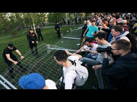 Волнения в Екатеринбурге. Алина Кабаева родила двойню. Сердюков вновь на коне