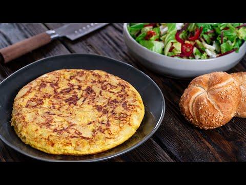 Tortilla de Patatas - Spanish Omelette - Tortilla Española