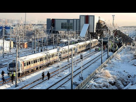 Nove mortos em acidente de comboio na Turquia