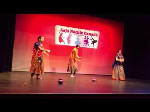 Riya & Ria Dance Performance 2015 - Aaja Nachle