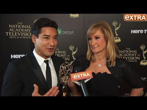 'Extra' Wins Daytime Emmy Award! - YouTube