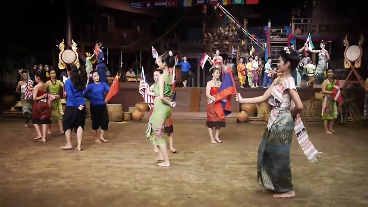 20100313_The Village Cultural Show in Rose Garden near Bangkok - YouTube