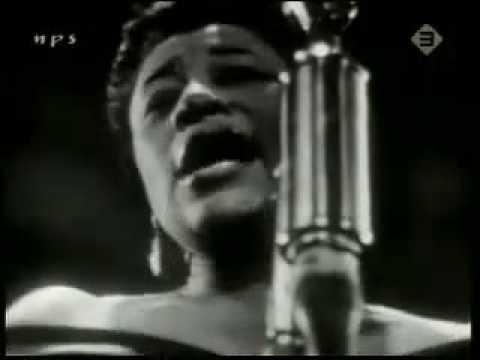 Ella Fitzgerald  April In Paris 1957.mp4