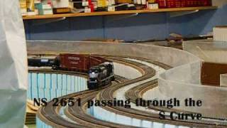 check it out pt 1 mth sd70m 2 norfolk southern 2651 action on huge ho scale layout