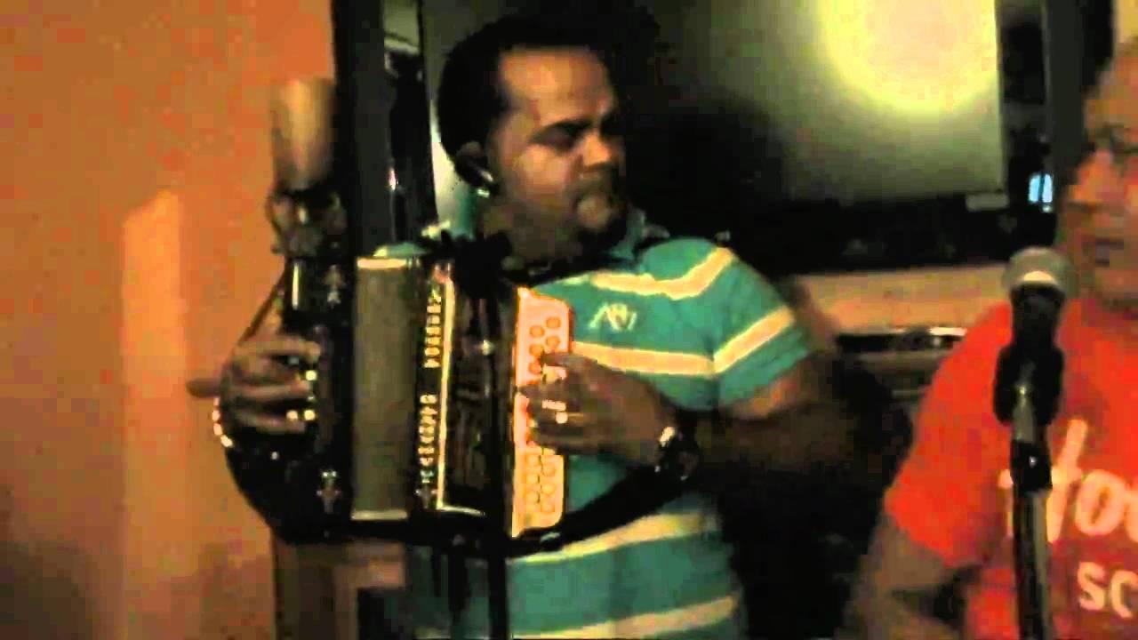 Merengue Tipico - ( El Surdo ) - La Mala Maña y la Carta  9-19-2010